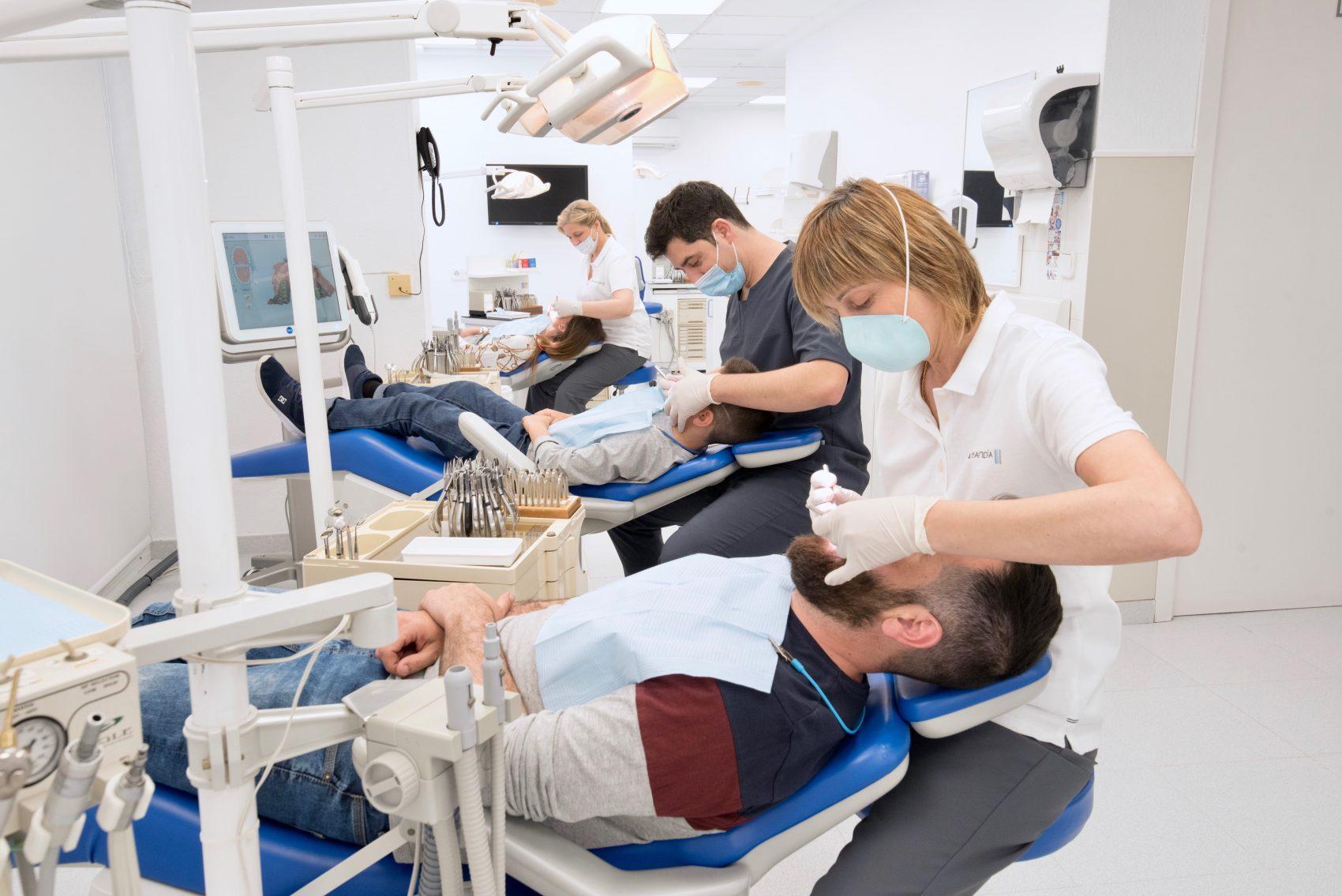 Limpiezas dentales - Clínica Crespí Gandía